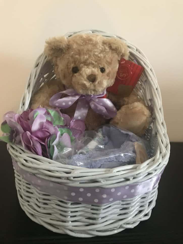 Coşuleţ cadou pentru mămica Violette